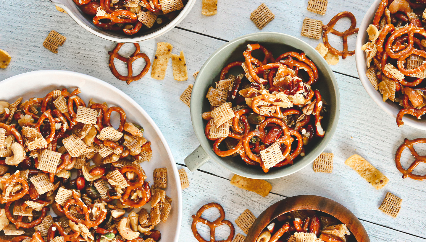 Pepsi Party Mix in white bowls